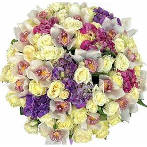 Сборная корзина с цветами R336