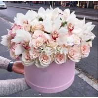 Орхидеи и розы в коробке R021
