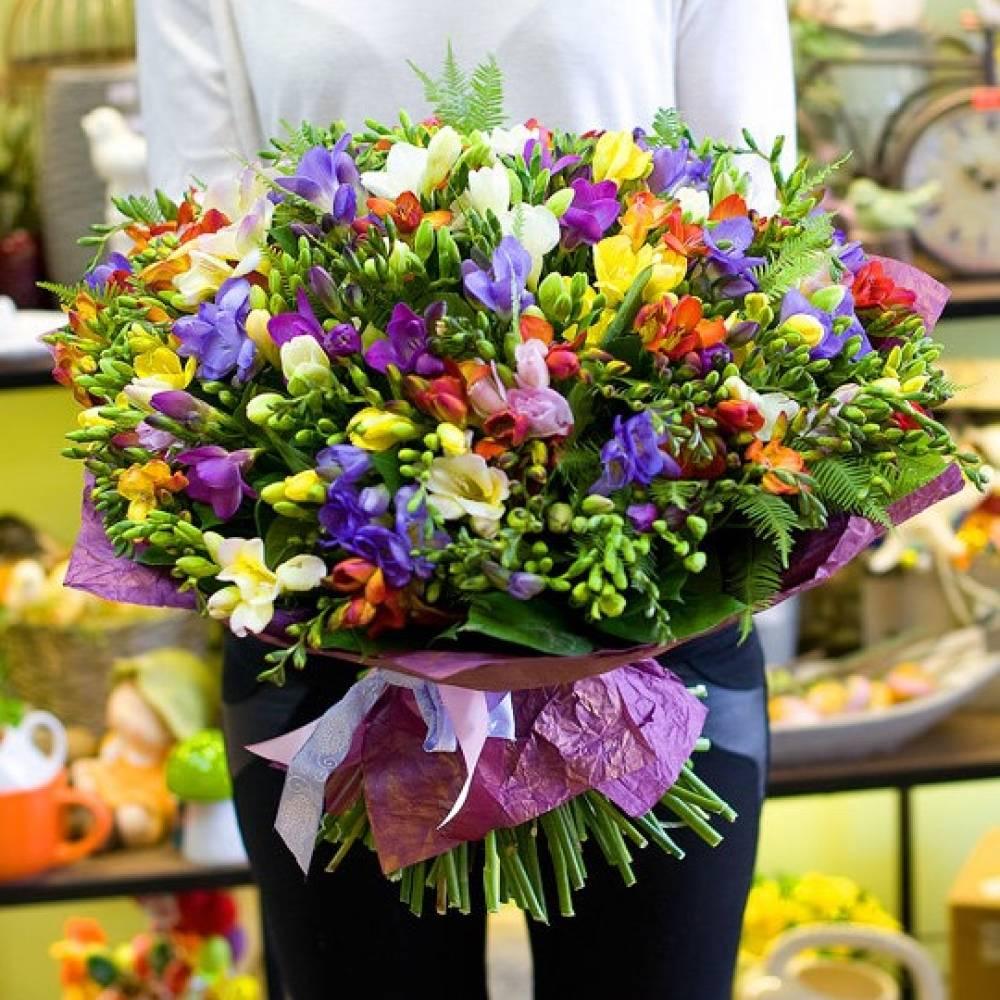 Свадебные, распределение цветов в букете должно быть
