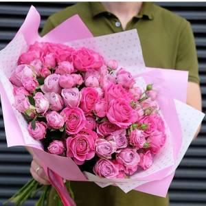 Сборный букет кустовых пионовидных роз микс R179