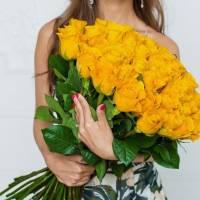 Букет 51 желтая роза с лентами R006