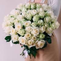 Букет 39 белых роз с лентами R426