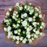 Букет 15 белых кустовых роз R542